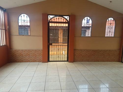 Alquilo Casa En San Rafael De Desamparados. 275,000
