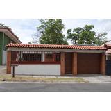 Se Vende Casa Localizada En La Urbanización Loma Verde