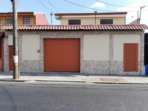 Propiedad Comercial Curridabat Centro. Cedo Crédito Hipoteca