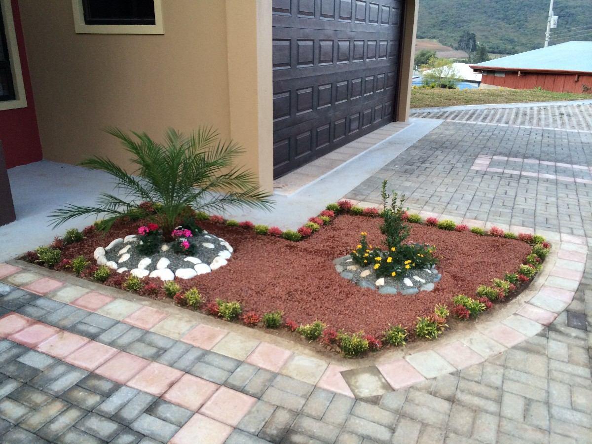 Jardines flores de jardn decoracin de jardines for Decoracion de jardines